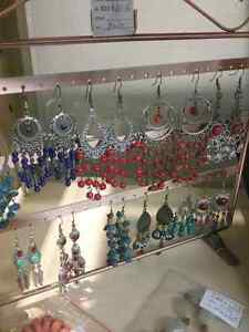 Bracelets, earrings, necklaces and 600 booths to explore  Cambridge Kitchener Area image 4