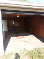 OVER SIZED SINGLE GARAGE CLOSE TO DOWNTOWN KINGSWAY MALL / NAIT