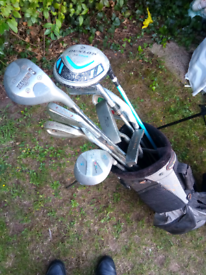 Men's and Juniors Right Handed Golf Clubs and Stand Bag