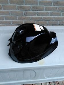 SUZUKI GSXR1000 BLACK GAS/FUEL TANK CLEAN INSIDE Windsor Region Ontario image 5