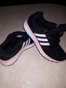 BNWT Adidas cloudfoam shoes