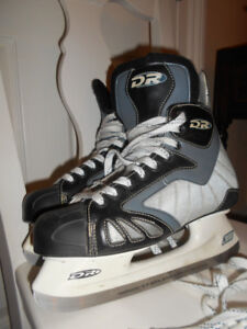 Men's skates Senior US size 8 Good condition
