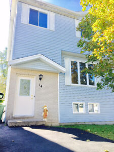 14 JUDY ANNE COURT OPEN HOUSE SUN 22 FROM 2-4PM