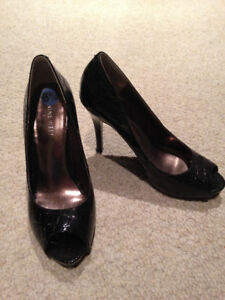 Nine West heels - Like new