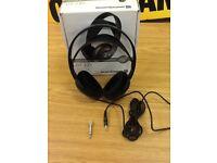 Headphones /beyerdynamics dt235