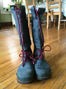 Sorel Vintange boots, size 9