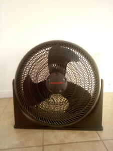 Ventilateur de plancher Honeywell Turbo, 18 po