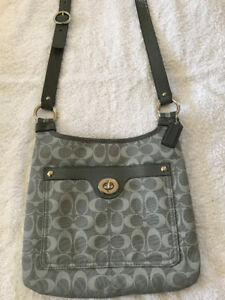 Authentic COACH cross body messenger bag (Grey) - New condition