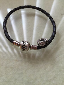 Pandora Bracelet leather and a charm,gris, sterling silver clasp