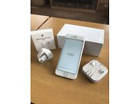 Apple iPhone 6 silver 64gb with brand new genuine Charger