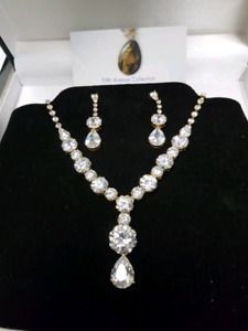 Gorgeous necklace and earing set from Fifth Avenue collection