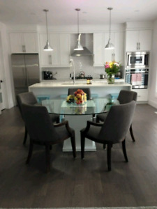 Glass Dining Table with 5 Beautiful Chairs
