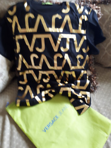 VERSACE T-SHIRT - no good offer refused