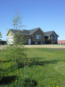 6 bedroom house for sale on approx. 3 acres, south of Barrhead.