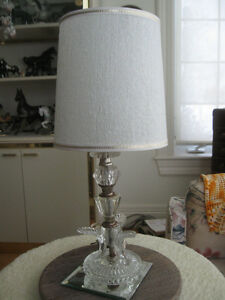VINTAGE DECORATIVE CLEAR GLASS BEDSIDE TABLE LAMP with NEW SHADE