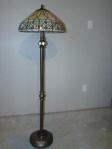 LAMPE SUR PIED ET DE TABLE