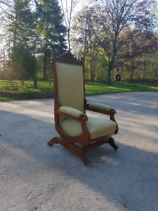 Turn of the century Antique Rocking Chair
