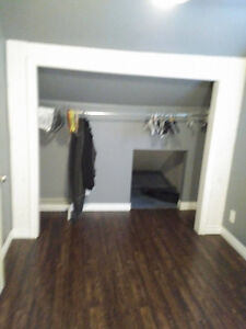 ROOM FOR RENT Windsor Region Ontario image 3