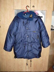 Magnifique manteau KANUK pour hommes, taille Moyen. 150-170lbs