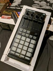 Traktor Kontrol F1 MIDI and DJ controller
