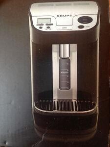 Krups KM 9008 Machine à Café