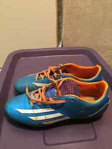 soccer cleats for kids ( size 7.5 )