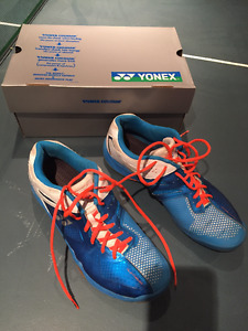 Badminton yonnex / indoor court shoes