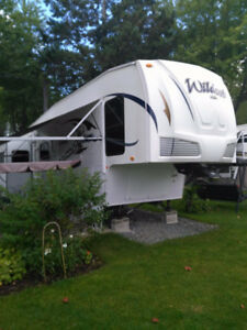 FIFTH WHEEL WILDCAT 2010