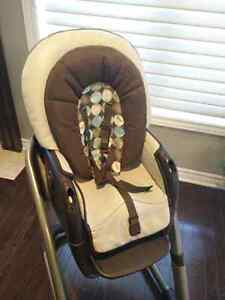 Graco Blossom 4-in-1 High Chair Kingston Kingston Area image 6