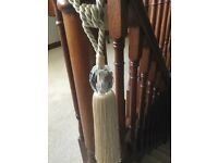 BEIGE ROPE AND GLASS TIE BACKS