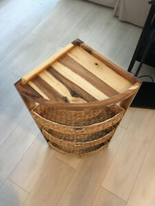 SMALL CORNER WOODEN SHELF WITH WICKER BASKETS
