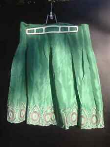 BCBG MAXAZRIA Georgeous Emerald Green Skirt