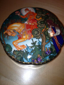 Russian Fairy Tales-Red Knight Porcelain Trinket / Candy Box