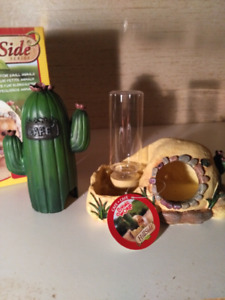 New Living world pet dishes and homes