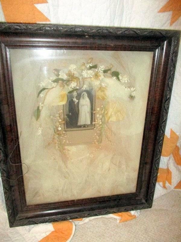 VICTORIAN ANTIQUE SHADOWBOX PHOTO WEDDING BRIDE GROOM VEIL FLOWERS