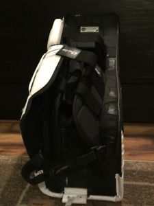 BAUER S170 SUPREME HOCKEY PADS $400 obo