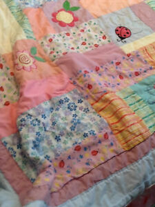 TWIN QUILT Washable, very soft and lovely