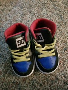 Size 7 toddler DC shoes