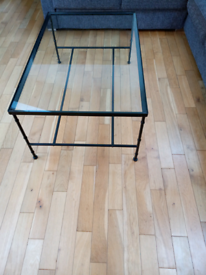 Glas top coffee table