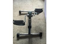 Folding mini exercise bike