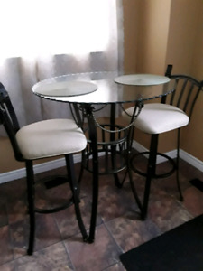 Pub/Bar Table and Swivel Chairs