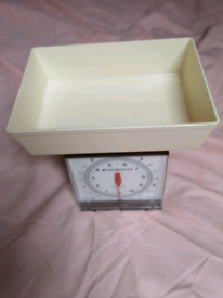 Waymaster kitchen scales (brand new boxed).