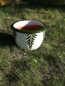 vase  poterie pour plante   ( Chambly )