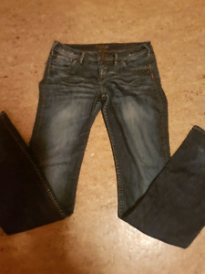 2 pairs women's silver jeans and brand new wranglers