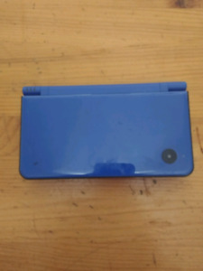 Nintendo DSi XL and Supercard DSTWO