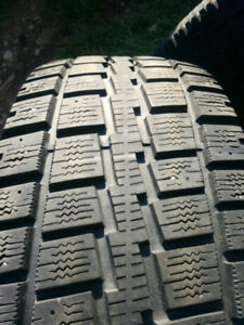 For sale 4 235/65/17 winter tires copper discover good condition