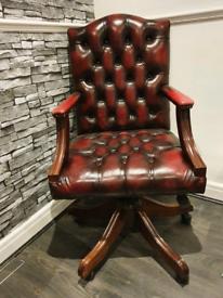 Chesterfield captain chair