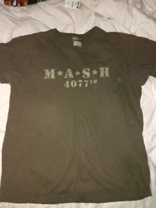 MASH 4077 AUTHENTIC T-SHIRT. GREAT CONDITION