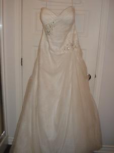 NEW CALLISTA WEDDING DRESS