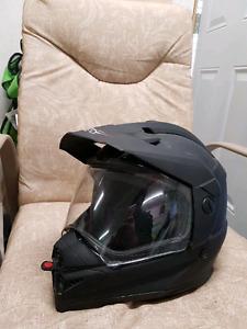 Street legal motorcycle helmet